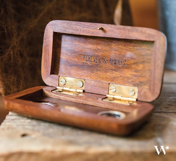 Персонализирана дървена кутийка за халки