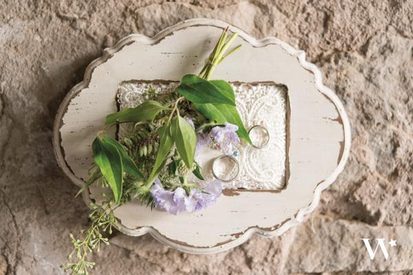 Възглавничка за халки във винтидж стил и декоративна рамка