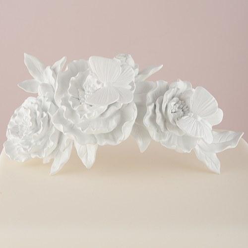Фигурка за сватбена торта-Пеперуди и цветя