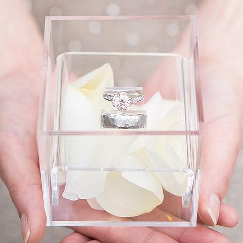 Уникална кутия за сватбени пръстени