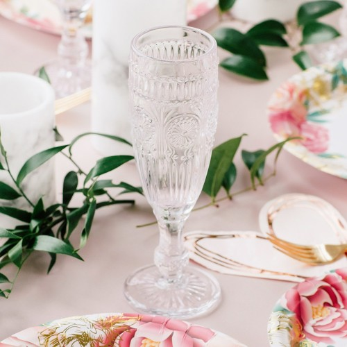 Vintage чаша в бяло